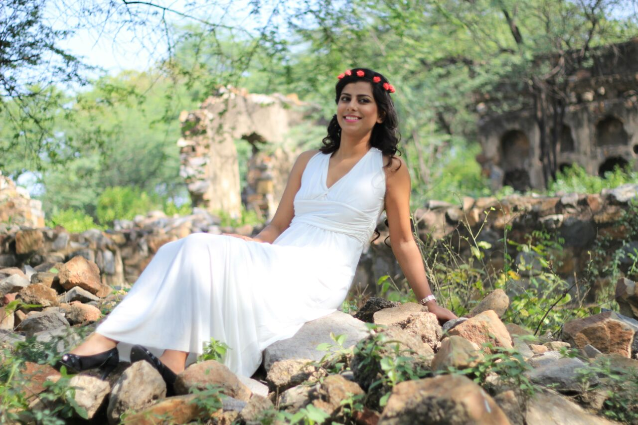 Lady In White Gown For Pre-wedding Shoot by Riddhi Photography Wedding-photography | Weddings Photos & Ideas