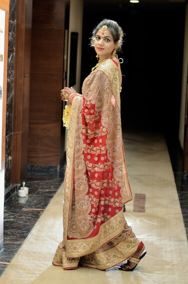 Bridal Red Saree by Riddhi Photography Wedding-photography | Weddings Photos & Ideas