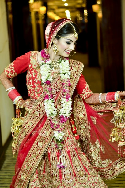 Bridal Pose by Riddhi Photography Wedding-photography | Weddings Photos & Ideas