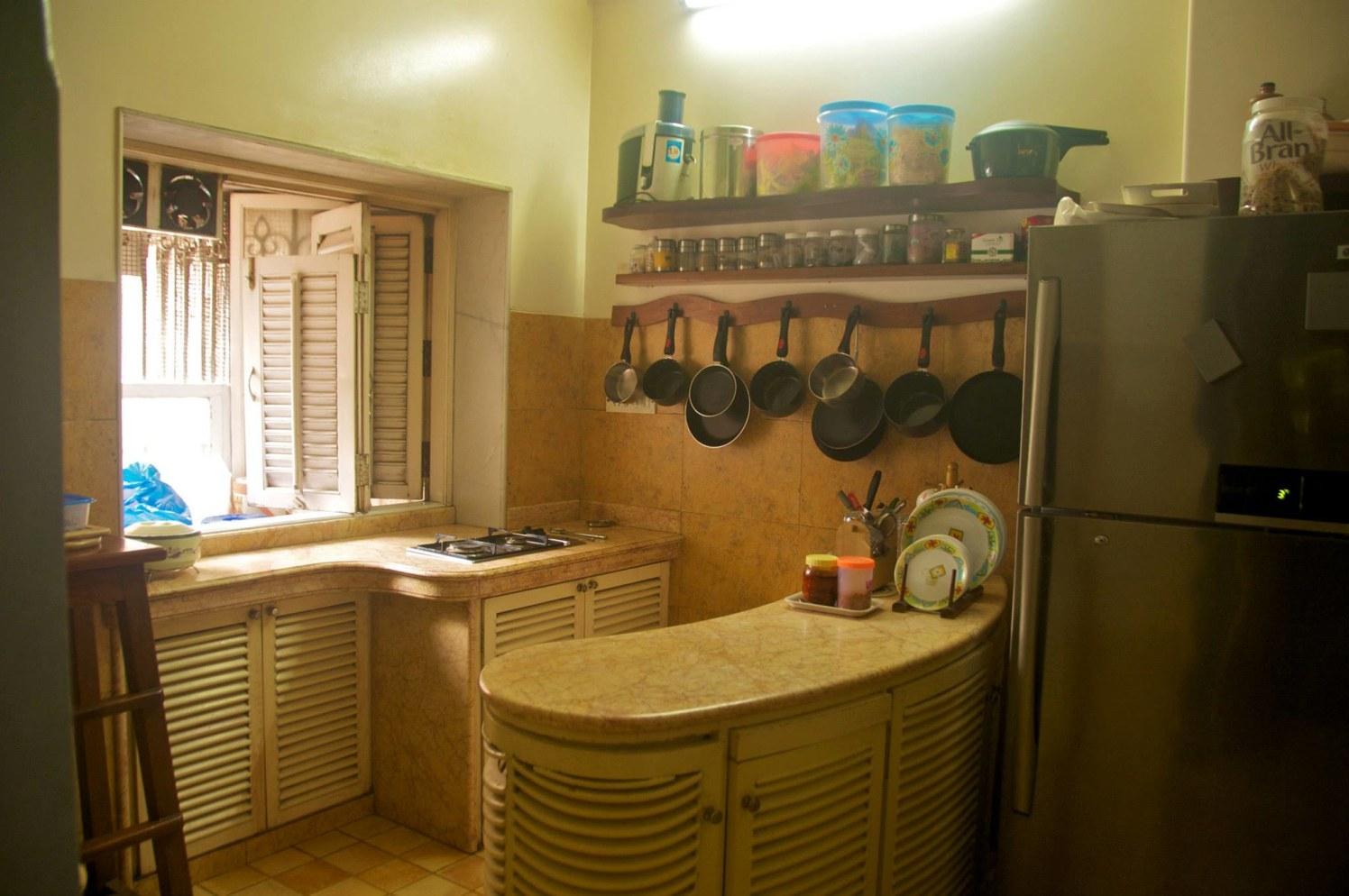 Compact Modular Kitchen with Marble Counter Top by Viraf Laskari  Modular-kitchen Minimalistic | Interior Design Photos & Ideas