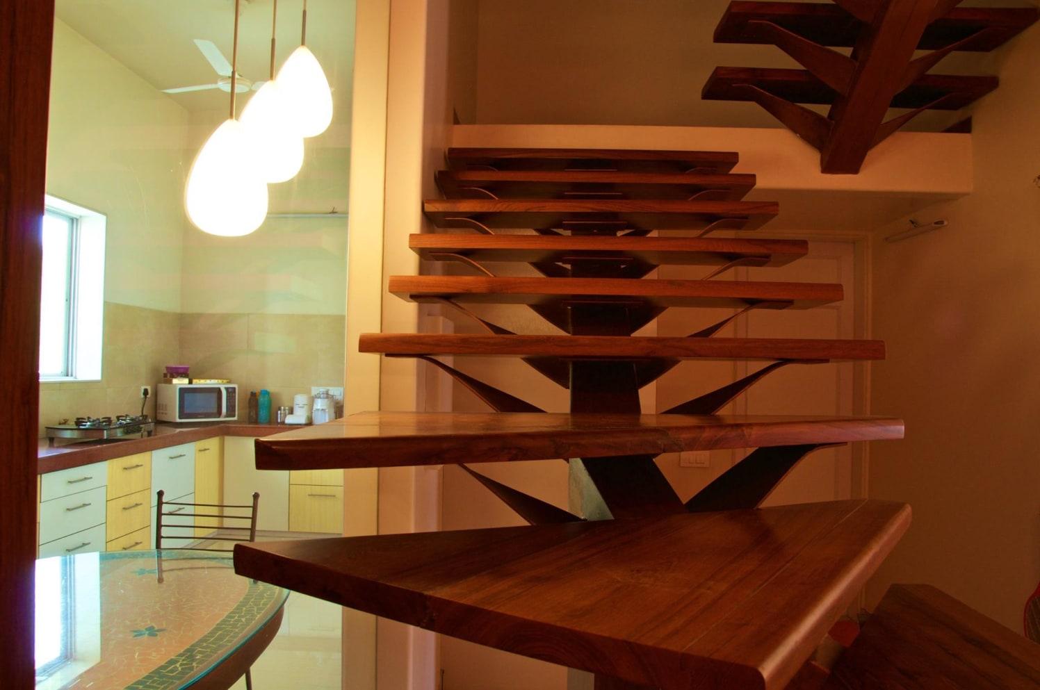 Edgy Staircase with Wooden Floor by Viraf Laskari  Indoor-spaces Minimalistic   Interior Design Photos & Ideas