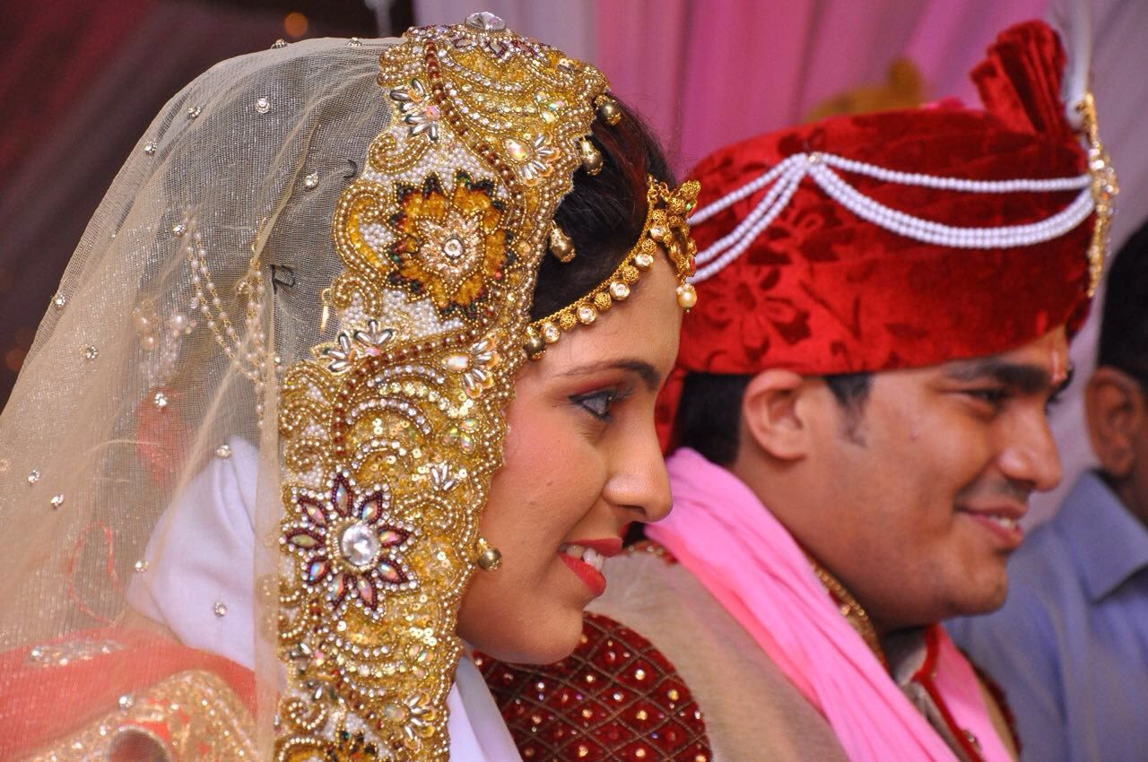 Golden outfit and accessories of bride by Heena Video Wedding-photography | Weddings Photos & Ideas