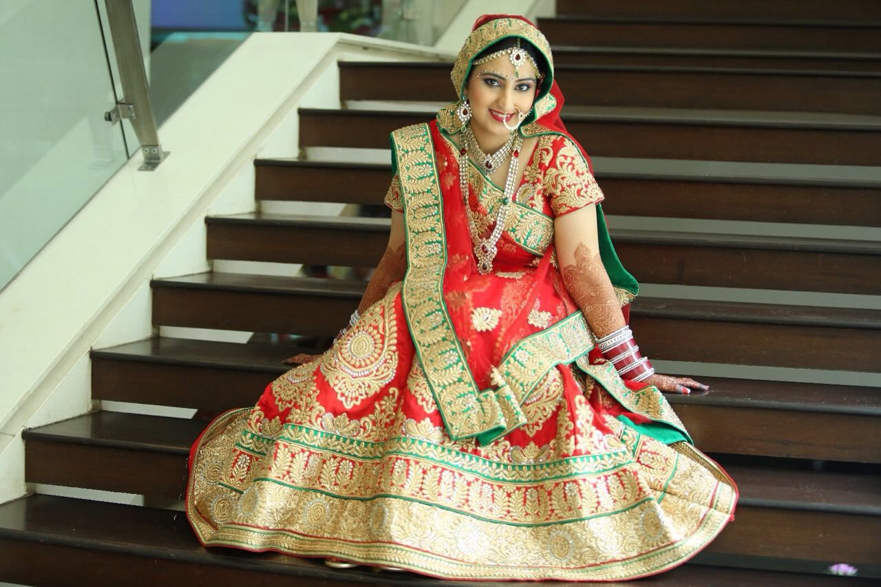 Bridal outfit and makeup by Heena Video Wedding-photography | Weddings Photos & Ideas