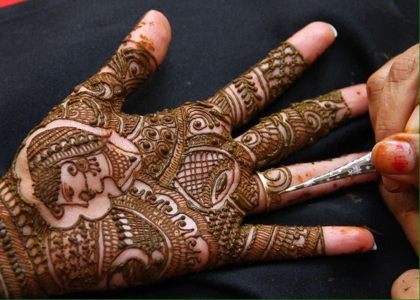 Mehndi shot! by Heena Video Wedding-photography | Weddings Photos & Ideas