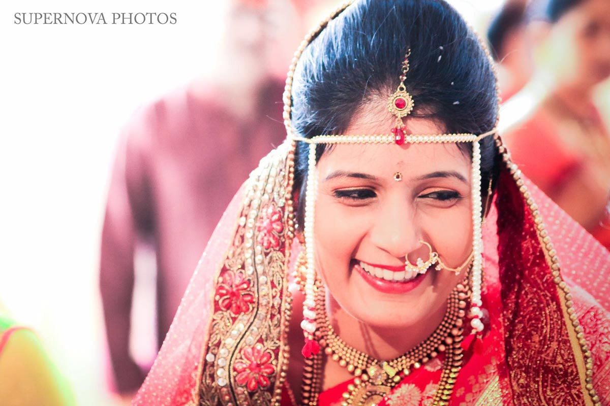 Bridal makeup and accessories by Supernova Photos Wedding-photography Bridal-jewellery-and-accessories | Weddings Photos & Ideas