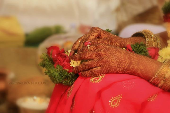 Bride's Heena Hand by Supernova Photos Wedding-photography Bridal-mehendi | Weddings Photos & Ideas