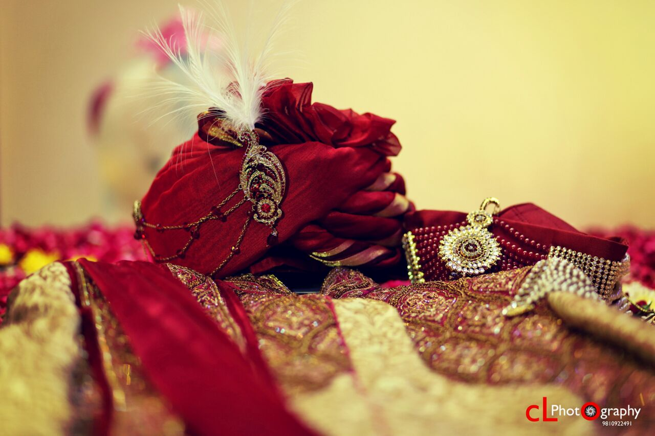 Groom's turban and brooch by CL Media Solutions Wedding-photography Groom-wear-and-accessories | Weddings Photos & Ideas