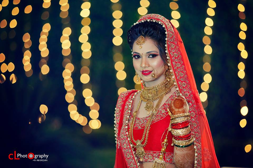Intricate Gold Multi-Layered Jewellery For A Sophisticated Bridal Look by CL Photography Wedding-photography Bridal-jewellery-and-accessories | Weddings Photos & Ideas