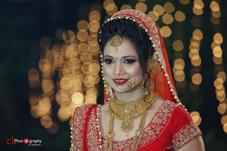 Perfect bridal portrait with gold jewellery by CL Media Solutions Wedding-photography Bridal-jewellery-and-accessories Bridal-makeup | Weddings Photos & Ideas