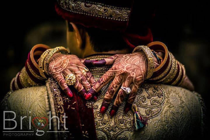 Bride's Gold And Diamond Rings by Gitesh Dhawan Wedding-photography Bridal-jewellery-and-accessories   Weddings Photos & Ideas