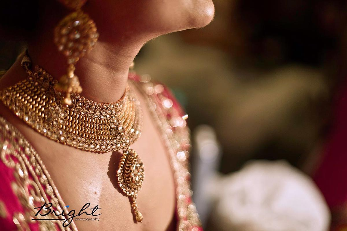 Glittering Gemstone Necklace by Gitesh Dhawan Wedding-photography Bridal-jewellery-and-accessories | Weddings Photos & Ideas