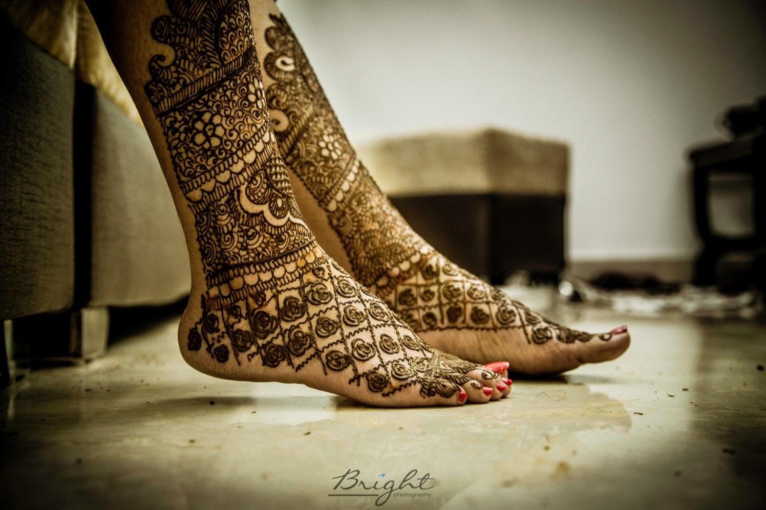 Rose Designed Feet Mehendi by Gitesh Dhawan Wedding-photography | Weddings Photos & Ideas