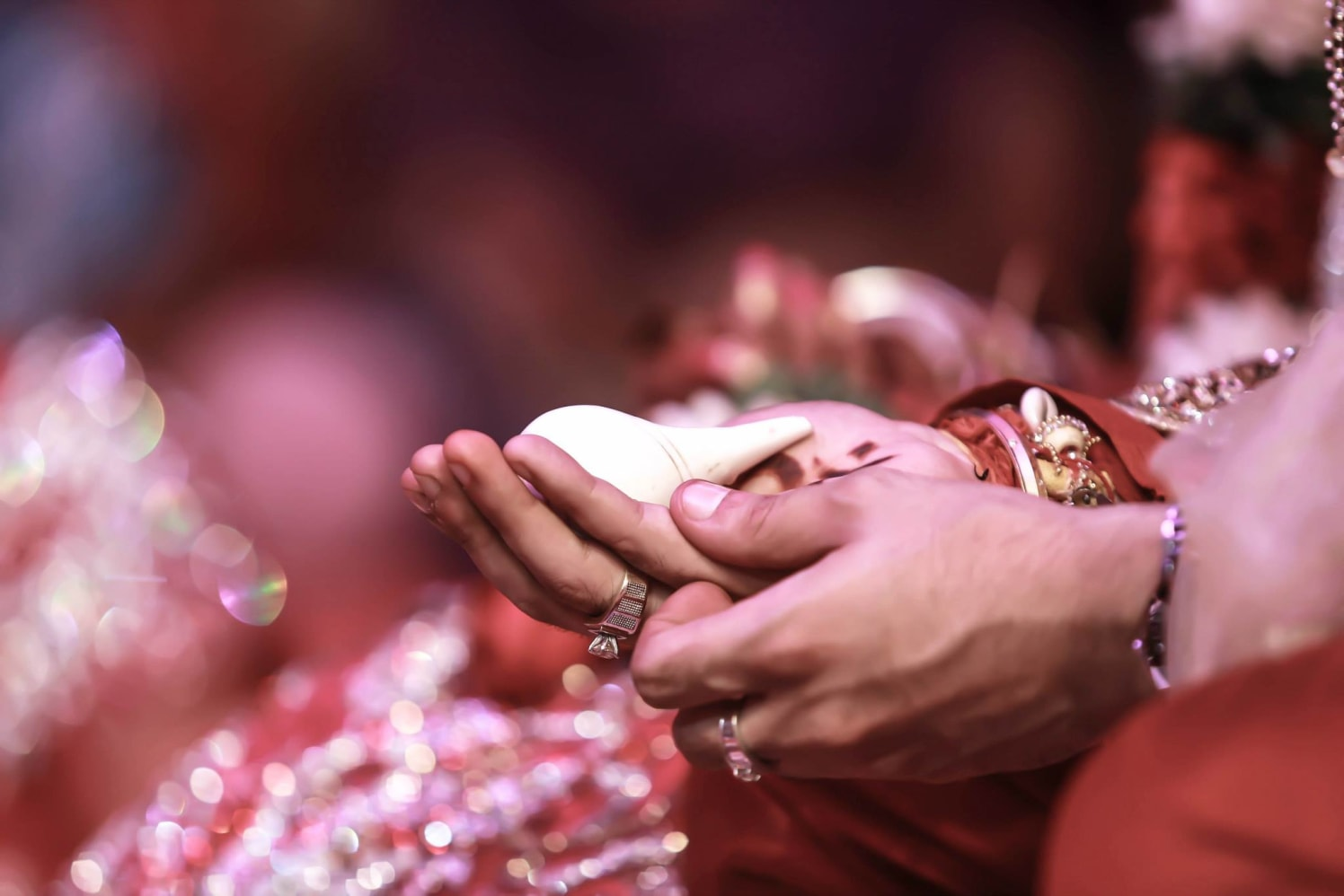 shell in hands!! by Gitesh Dhawan Wedding-photography | Weddings Photos & Ideas