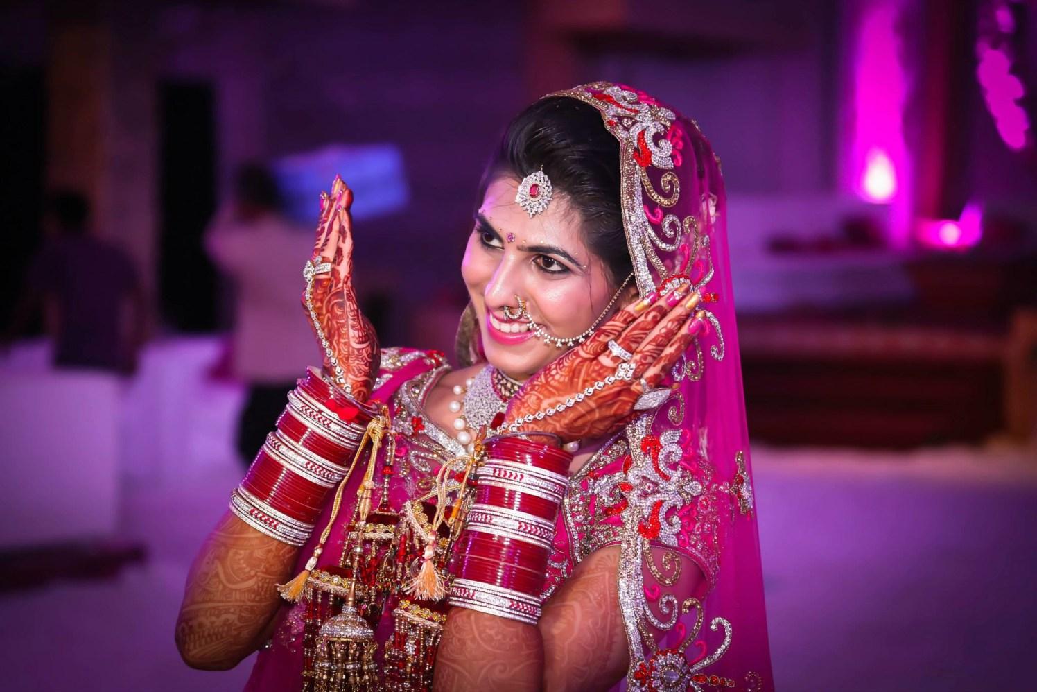 Bride Wearing Diamond Maang-Tikka And Nath by Gitesh Dhawan Wedding-photography Bridal-jewellery-and-accessories Bridal-makeup | Weddings Photos & Ideas