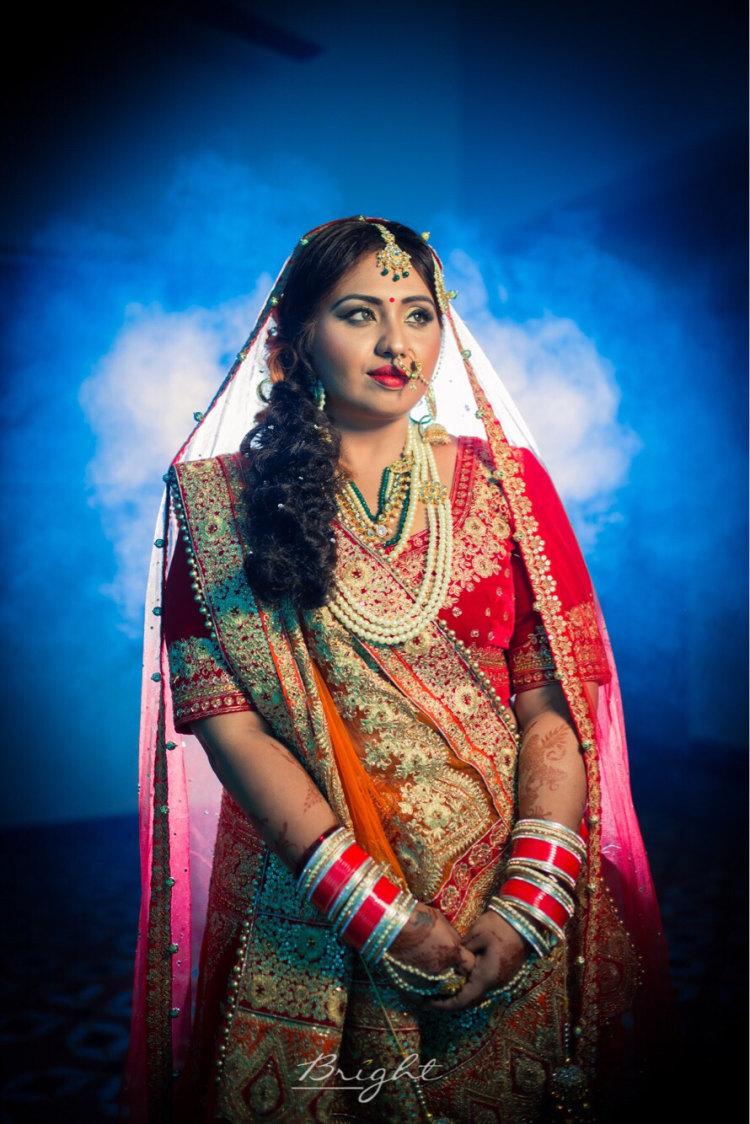 Bridal Curls Hairstyle by Gitesh Dhawan Wedding-photography Wedding-hairstyles | Weddings Photos & Ideas
