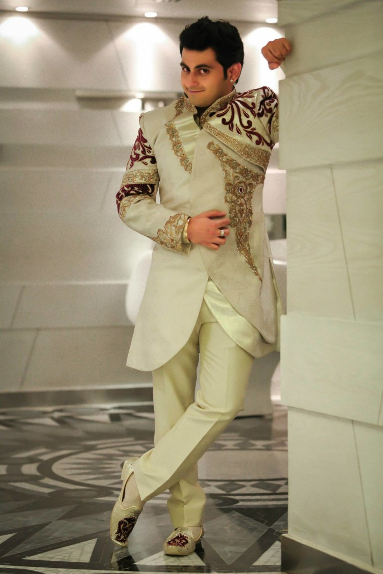 Enchanting Groom In White Sherwani by Gitesh Dhawan Wedding-photography Groom-wear-and-accessories | Weddings Photos & Ideas
