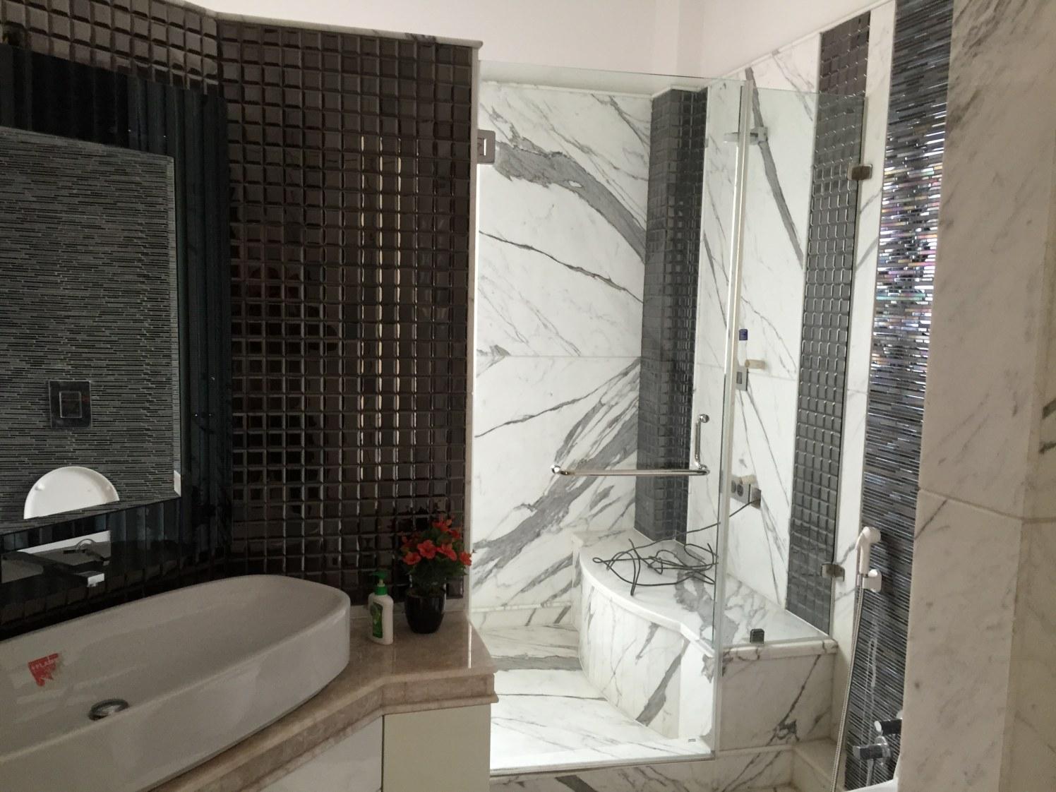 Bathroom With Glass Partition by Tarique Anwar Bathroom Contemporary | Interior Design Photos & Ideas