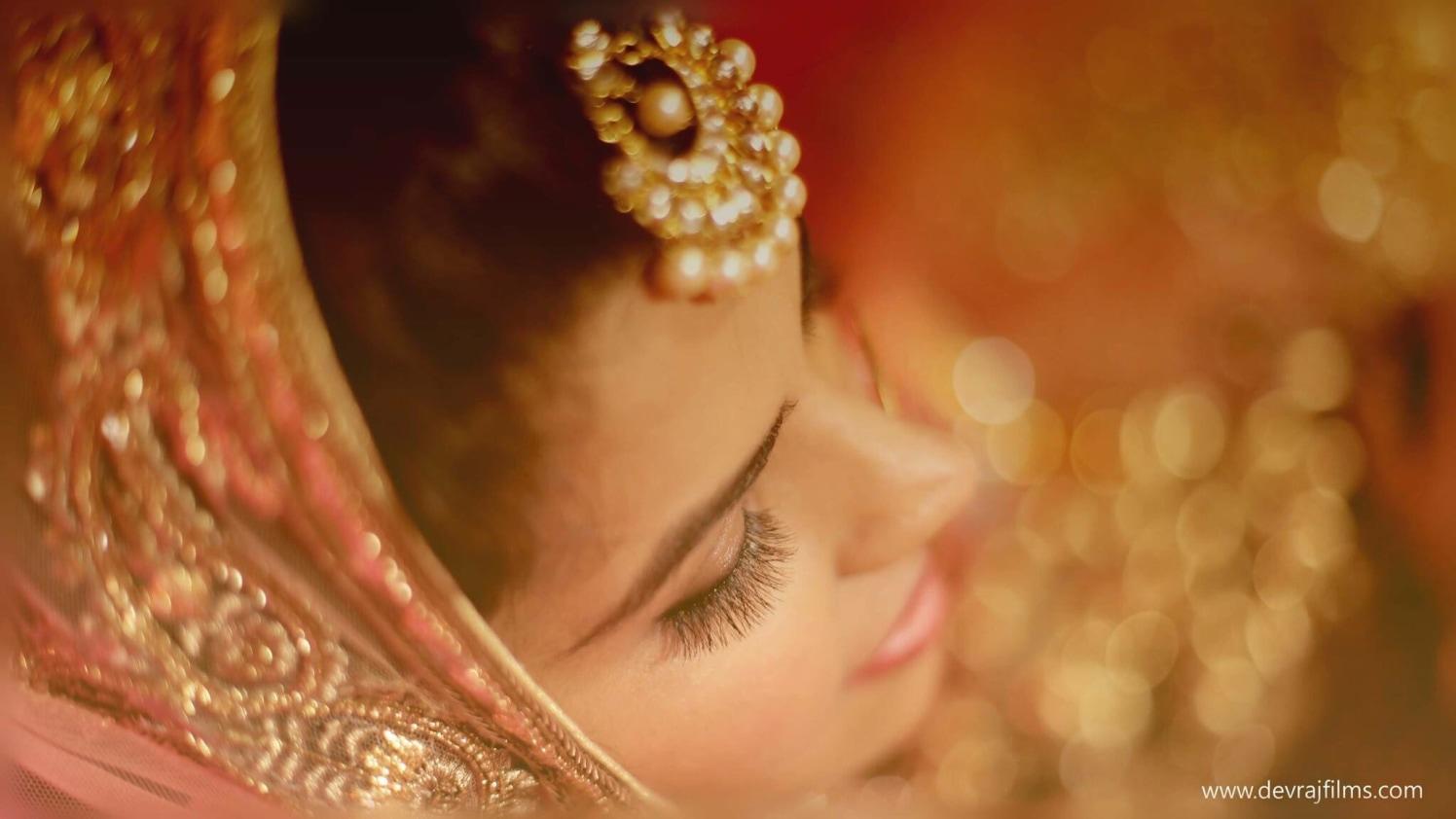 Head adjunct of bride by DEV RAJ FILMS & PHOTOGRAPHY Wedding-photography | Weddings Photos & Ideas
