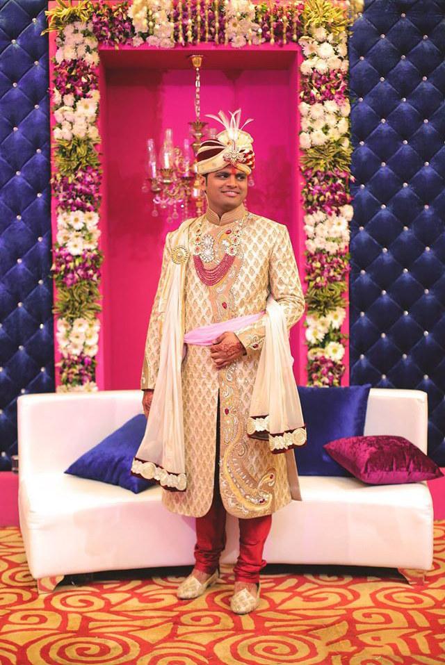 Pink background by DEV RAJ FILMS & PHOTOGRAPHY Wedding-photography | Weddings Photos & Ideas