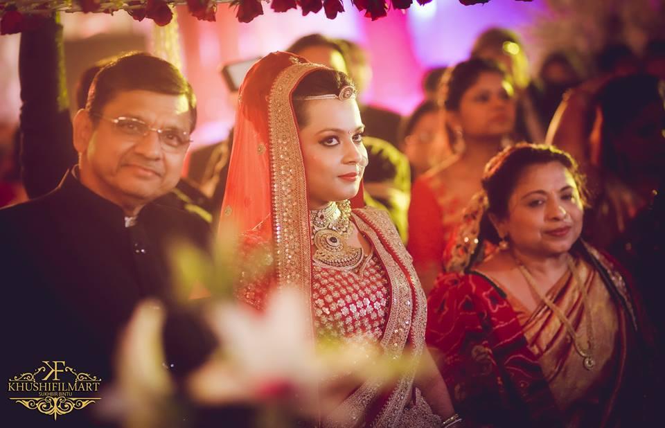 The bride strikes a pose! by Sukhi Singh Wedding-photography | Weddings Photos & Ideas