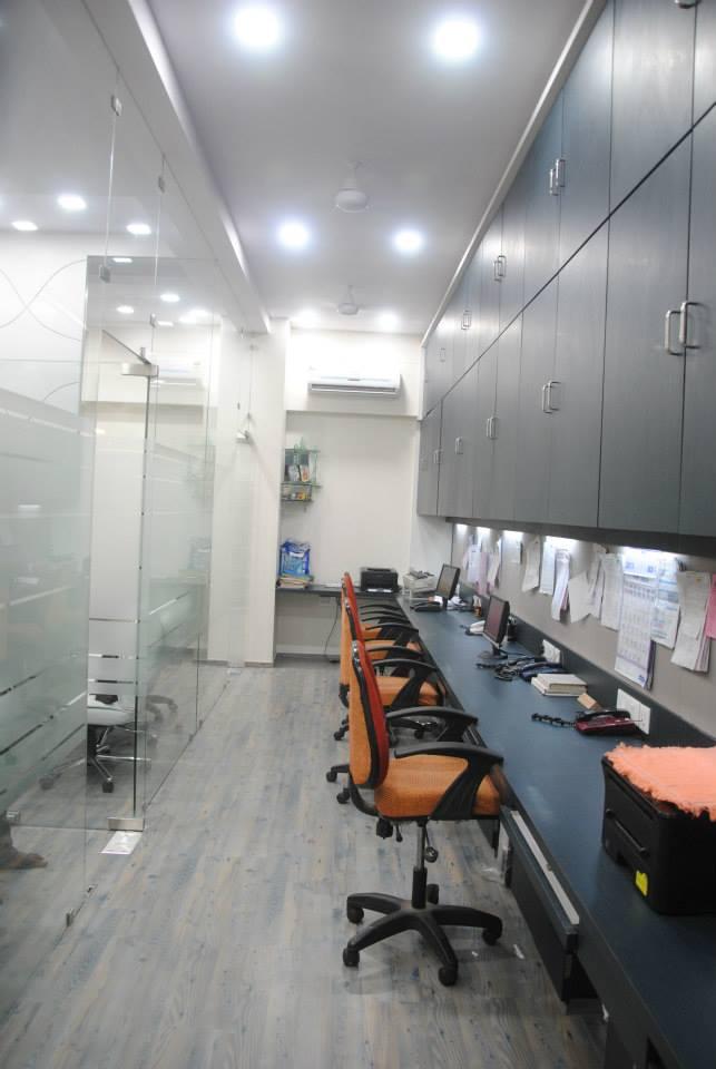 Office Space With Glass Partition by Krupa Bhansali Sanghavi Contemporary | Interior Design Photos & Ideas