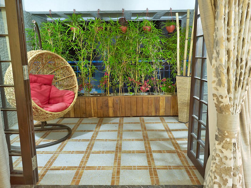 Seat For One by Gadkari Properties LLP Modern | Interior Design Photos & Ideas