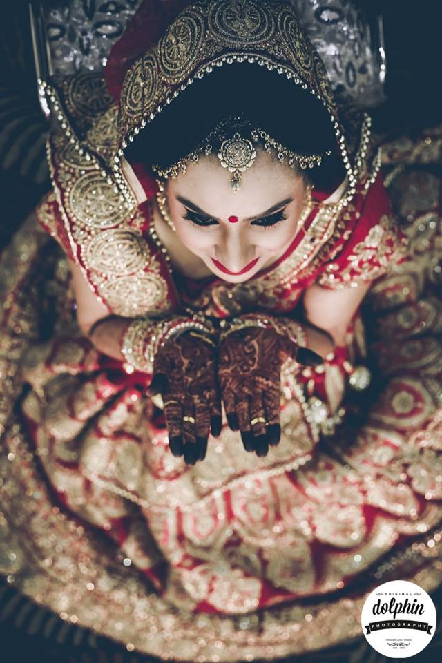 Flaunting her henna tattoo by Dolphin Photography Wedding-photography | Weddings Photos & Ideas