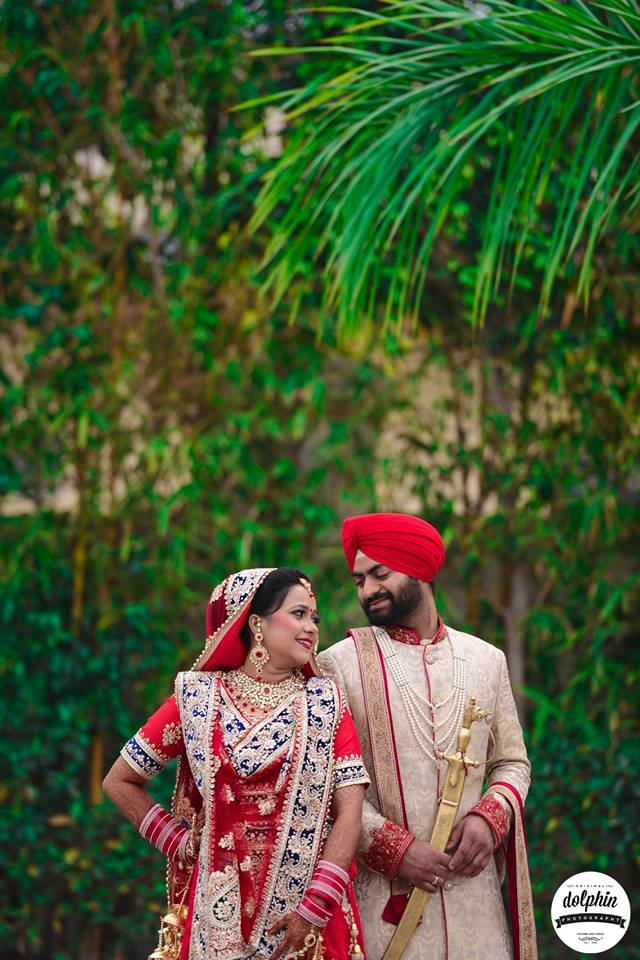 Glancing at each other by Dolphin Photography Wedding-photography | Weddings Photos & Ideas
