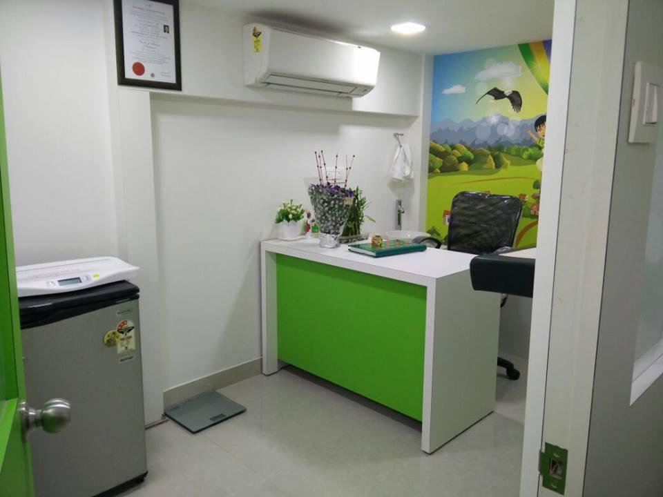 Green office decor by Mohammed Saeed Tanwar Contemporary | Interior Design Photos & Ideas