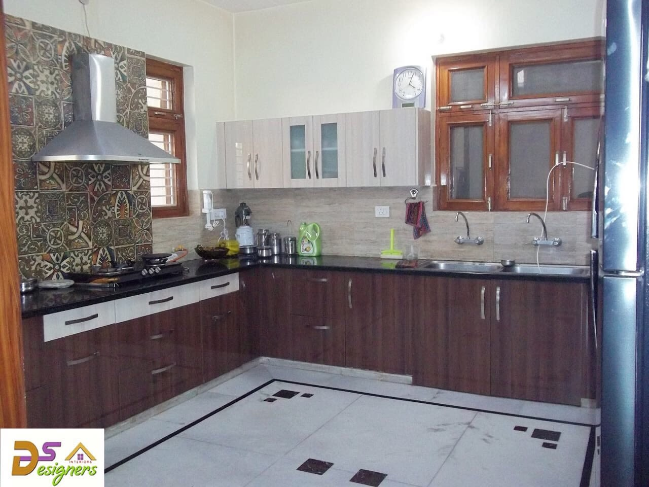 L Shaped Kitchen With Wooden Cabinets by Shivraj Singh Modular-kitchen Contemporary | Interior Design Photos & Ideas