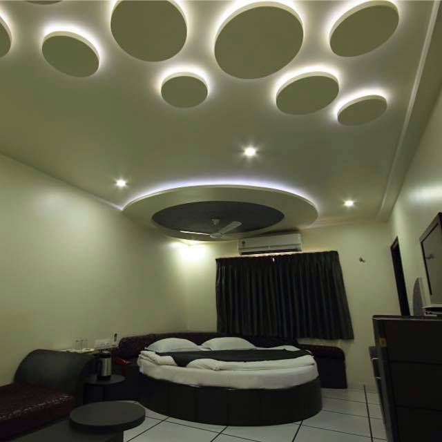 Circular Bed With Artistic False Ceiling by Icraft Desginz and interiors Bedroom Contemporary | Interior Design Photos & Ideas