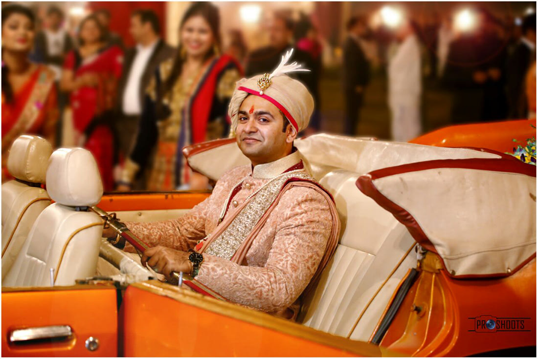 Groom's Grand Entry On Vintage Car by Abhimanyu Jindal Wedding-photography Groom-wear-and-accessories | Weddings Photos & Ideas