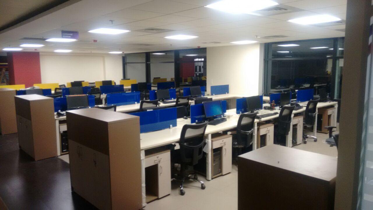 Open Office Space. by jaris khan Modern | Interior Design Photos & Ideas