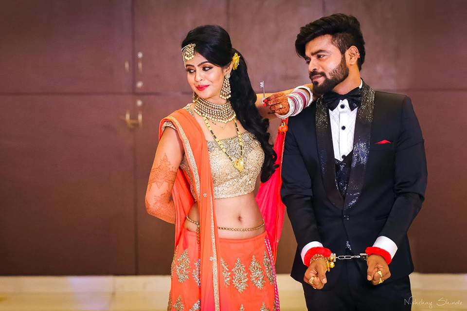 Arrested in love! by Shrutika Sarang Photography Wedding-photography | Weddings Photos & Ideas