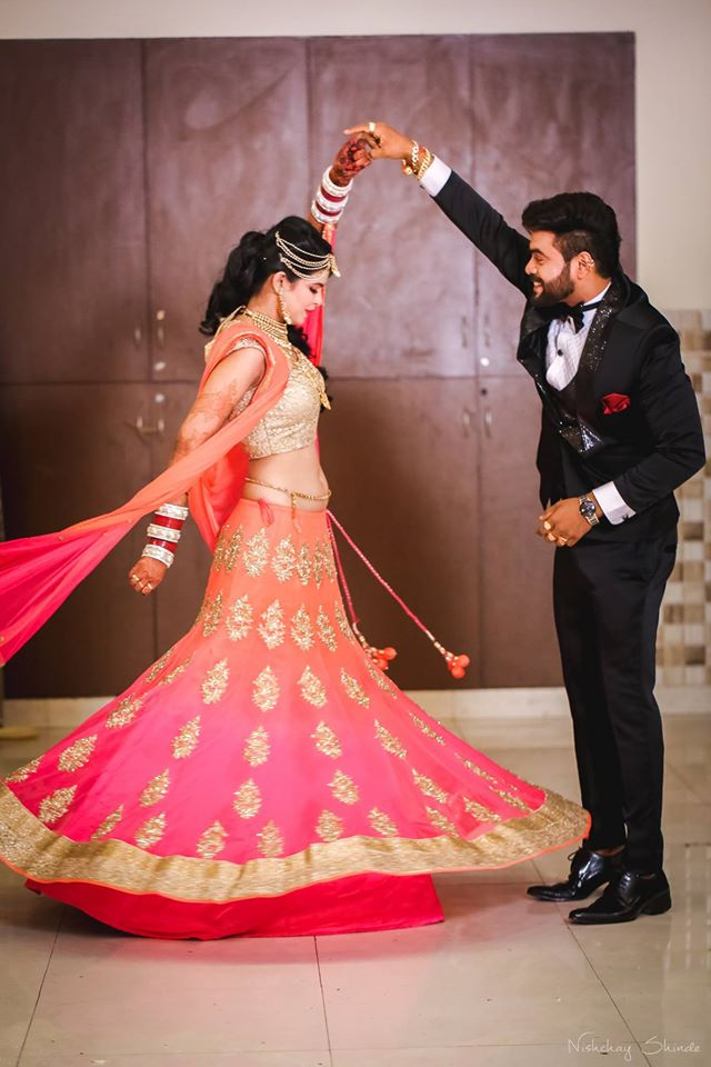Twirling magnificence by Shrutika Sarang Photography Wedding-photography | Weddings Photos & Ideas
