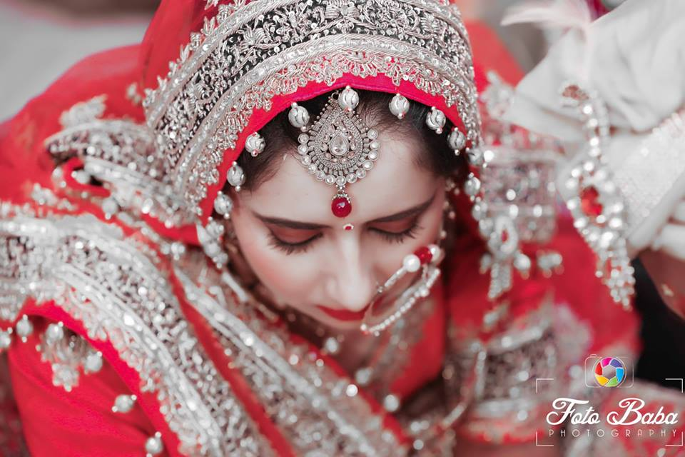 The heavy embroidered lehenga by Foto Baba Photography Wedding-photography Bridal-makeup | Weddings Photos & Ideas