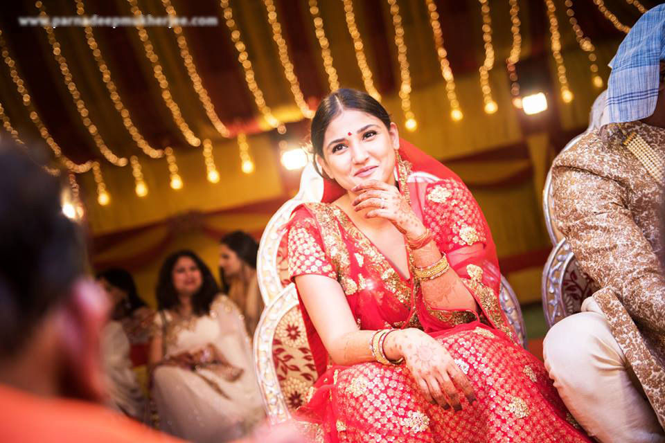 Bride strikes a pose! by Parnadeep Mukherjee Photography  Wedding-photography | Weddings Photos & Ideas