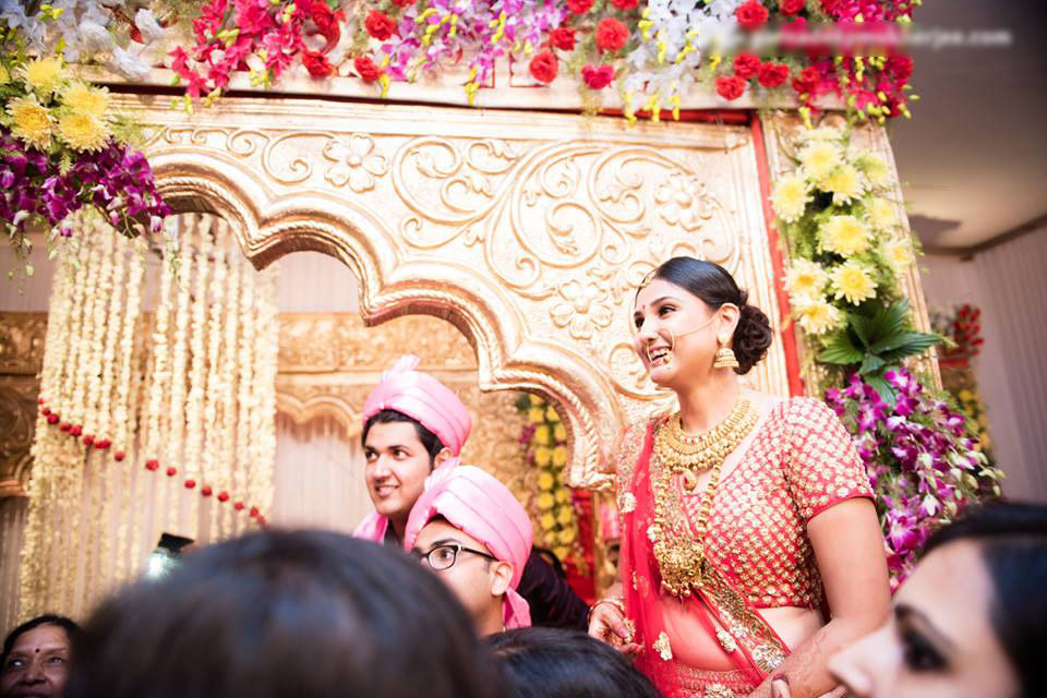 Happy bride! by Parnadeep Mukherjee Photography  Wedding-photography | Weddings Photos & Ideas