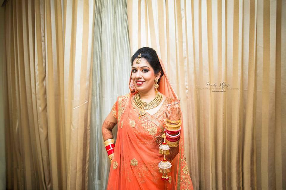 Happy bride! by Parnadeep Mukherjee Photography  Wedding-photography | Weddings Photos & Ideas