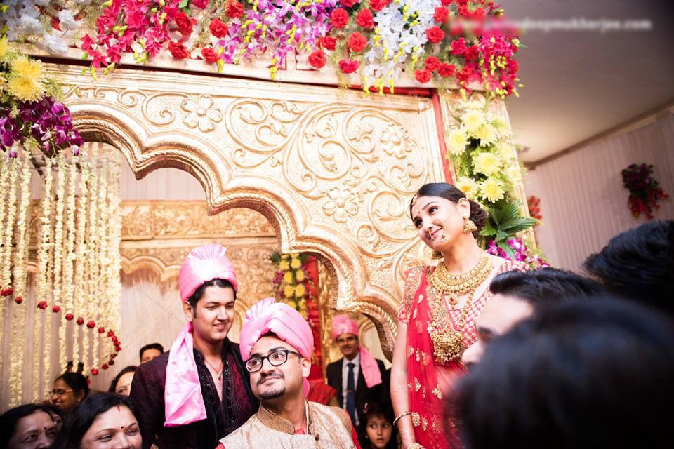 Wedding guests! by Parnadeep Mukherjee Photography  Wedding-photography | Weddings Photos & Ideas