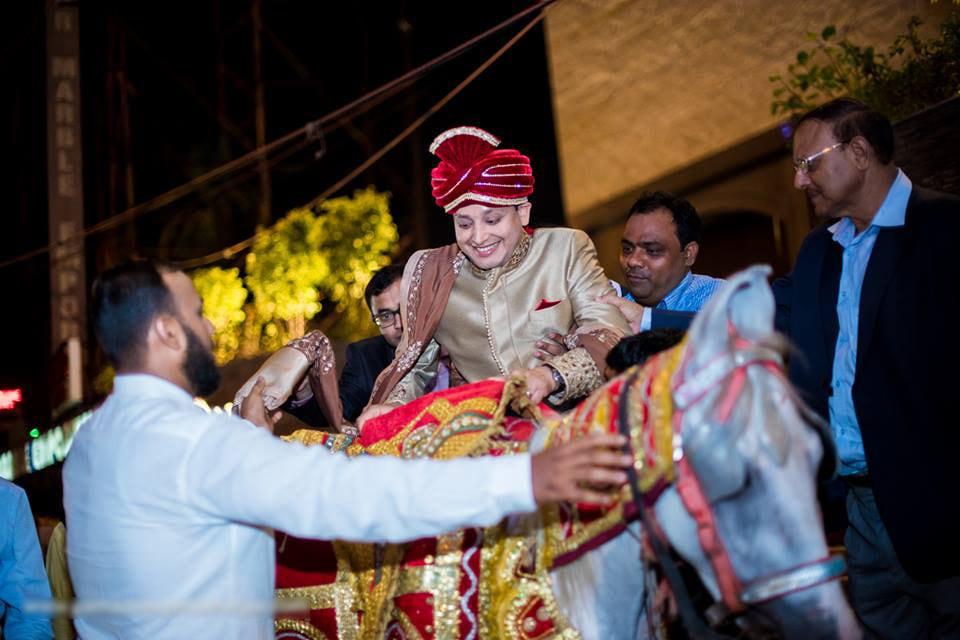 All set for the wedding customs! by Parnadeep Mukherjee Photography  Wedding-photography | Weddings Photos & Ideas