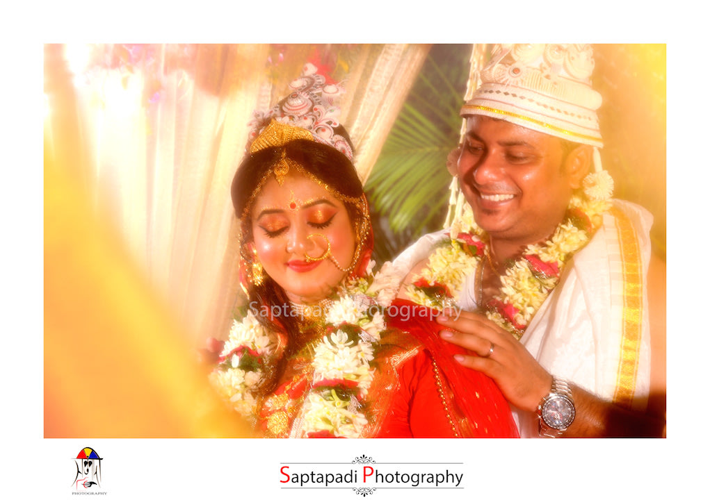 Bride And Groom In Traditional Mukut by Saptapadi Photography Wedding-photography Bridal-jewellery-and-accessories Groom-wear-and-accessories | Weddings Photos & Ideas