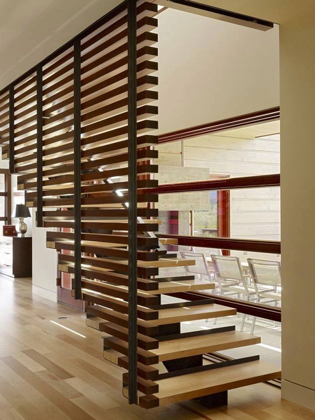 Straight Woody Stairs by Mohit Kumar Indoor-spaces Modern | Interior Design Photos & Ideas