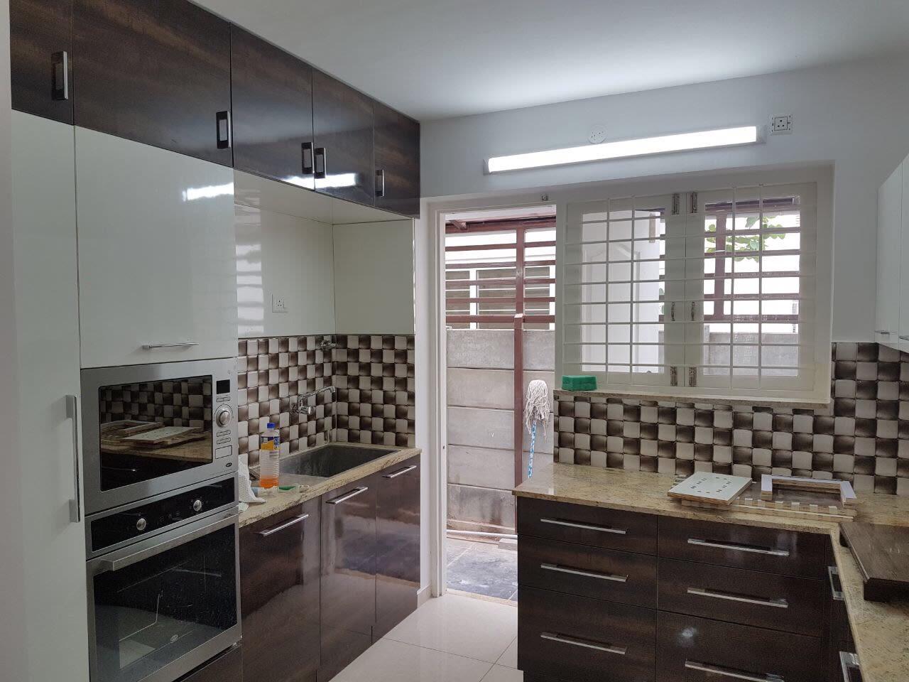 Wood Finish Modular Kitchen by Odd architecture studio  Modular-kitchen Modern | Interior Design Photos & Ideas