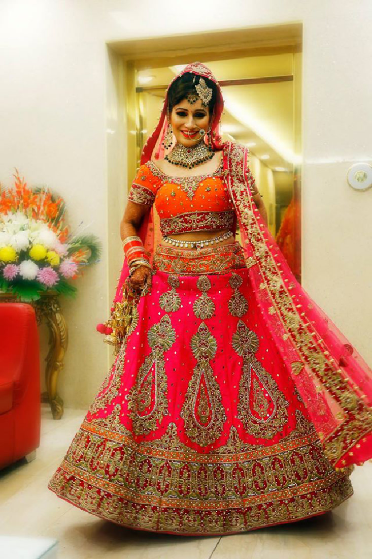 The royal red dress by Vijay Kapoor Wedding-dresses | Weddings Photos & Ideas