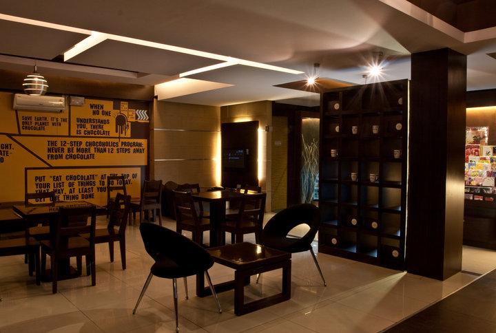 Modern Cafe Decor by Dinsignia Architects And Interiors Modern   Interior Design Photos & Ideas