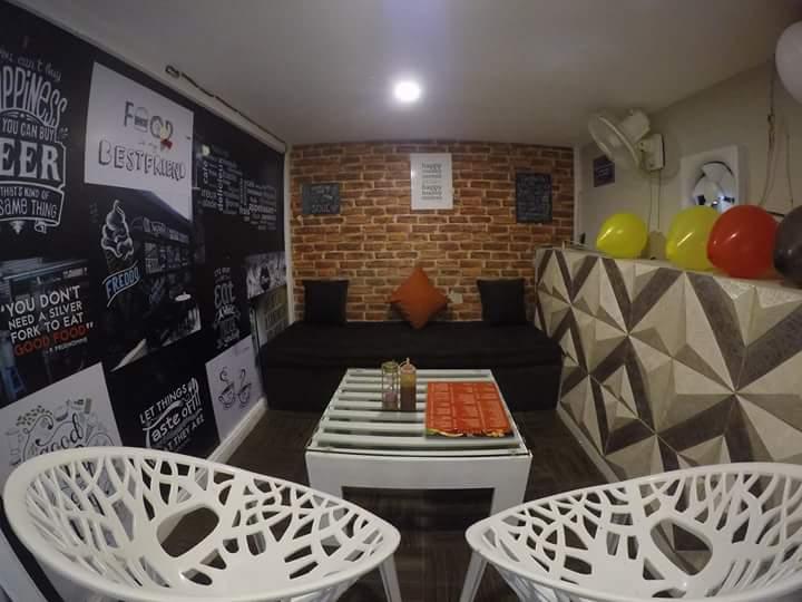 European Theme Lounge Area by Ajinkya Chinchkar Contemporary | Interior Design Photos & Ideas