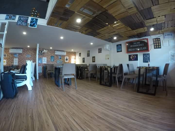 European-Themed Restaurant with Lattice False Ceiling by Ajinkya Chinchkar Contemporary | Interior Design Photos & Ideas