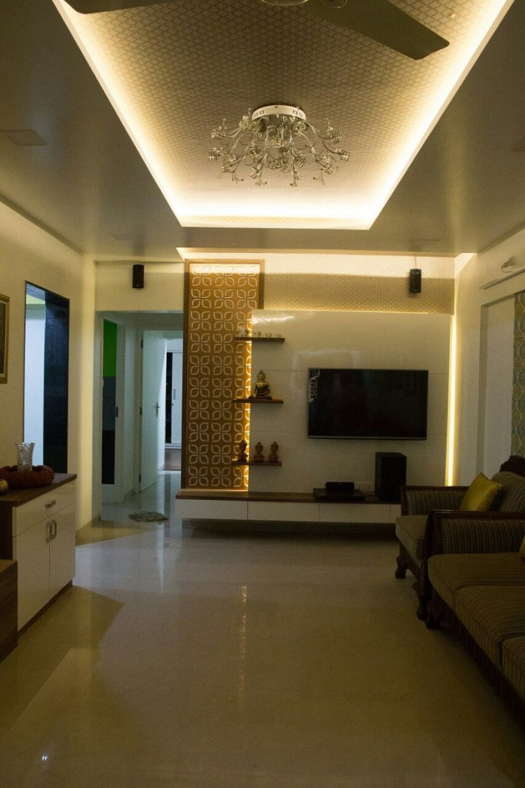 Living room with marble flooring and false ceiling with modern display unit by Bhagyashree Prajapati Modern | Interior Design Photos & Ideas