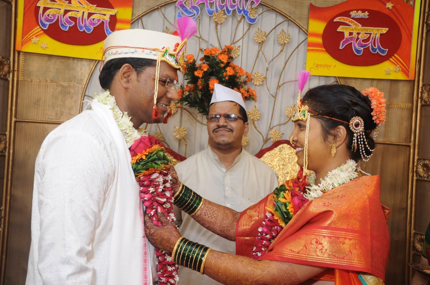 Varmaala by vivek mishra  Wedding-photography | Weddings Photos & Ideas